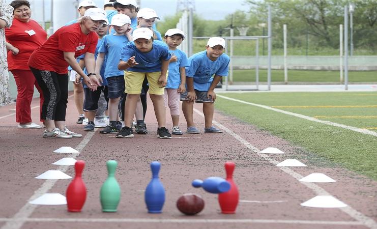 (Рус) Чемпионат по боулингу для детей с особыми потребностями